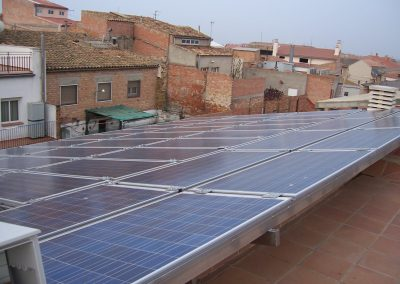 Proyecto instalación fotovoltaica de autoconsumo para grupo de viviendas adosadas